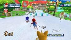 Review Mario & Sonic op de Olympische Winterspelen: In een van de Dream Events ski je door het Mushroom Kingdom.