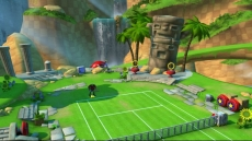 Review SEGA Superstars Tennis: De banen in SEGA Superstars Tennis zijn heel mooi versierd.