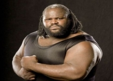 Review WWE SmackDown vs. Raw 2011: Dit is Mark Henry in een gevecht.