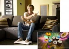 Review Wii Music: Je kunt ook drummen met je Wii-mote, Nunchuck en het Wii Balance Board.