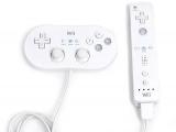 De Classic controller sluit je aan op de <a href = http://www.mariowii.nl/wii_spel_info.php?Nintendo=Wii-afstandsbediening>Wii Afstandsbediening</a>.