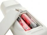 Je moet 2 AA baterijen in de <a href = http://www.mariowii.nl/wii_spel_info.php?Nintendo=Wii-afstandsbediening>Remote</a> stoppen om hem te laten werken!