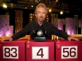 Noel Edmonds, de presentator van <a href = http://www.mariowii.nl/wii_spel_info.php?Nintendo=Deal_or_No_Deal>Deal or No Deal</a> UK. Hij is ook de gastheer in de game.