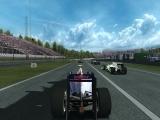 In de F1 sport gebeuren nog wel eens ongelukken, dus gelukkig kan het hier vanaf de bank!
