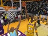 In de basket gooien is moeilijker dan je denkt!