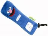 De zachte hoes voor de <a href = http://www.mariowii.nl/wii_spel_info.php?Nintendo=Wii-afstandsbediening>remote</a> zorgt er voor dat de knopjes die niet in gebruik zijn niet zichtbaar zijn.