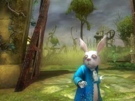 Aan zijn wallen te zien, heeft de White Rabbit een lange tijd niet geslapen!