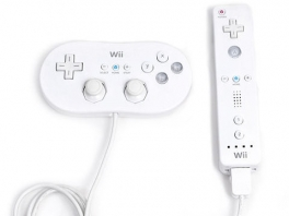 De Classic controller sluit je aan op de <a href = https://www.mariowii.nl/wii_spel_info.php?Nintendo=Wii-afstandsbediening>Wii Afstandsbediening</a>.
