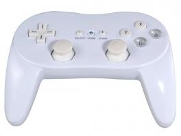 Ondanks het gemis van het Wii logo is de 2nd party Classic Controller Pro vrijwel identiek aan het origineel.