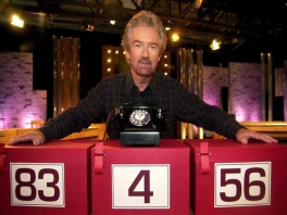 Noel Edmonds, de presentator van <a href = https://www.mariowii.nl/wii_spel_info.php?Nintendo=Deal_or_No_Deal>Deal or No Deal</a> UK. Hij is ook de gastheer in de game.
