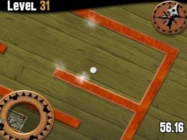 Het doel is simpel: behoud je evenwicht en rol de bal naar de uitgang van het labyrinth