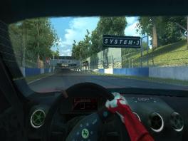 'Cockpit-view' ziet er heel mooi uit en geeft je een goed gevoel van snelheid.