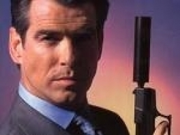 Dit is Pierce Brosnan de hoofdpersoon in GeldenEye.