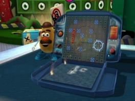 Speel je in alle rust een potje zeeslag, is dat ding weer terug van de opnames van <a href = https://www.mariowii.nl/wii_spel_info.php?Nintendo=Toy_Story_3>Toy Story 3</a>!