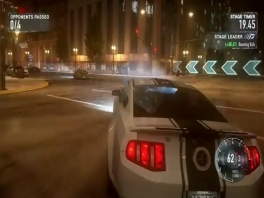 rij in de mooiste en duurste auto's met de mooiste graphics.