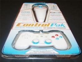 Bij dit pakket krijg je een Wired Wing maar ook een Nyko <a href = https://www.mariowii.nl/wii_spel_info.php?Nintendo=Wii_Nunchuk>Nunchuck</a>!