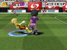 Die tackle was prima, maar die blauwe cirkel op het veld is wel een overtreding...