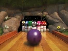 Er zijn heel veel leuke minigames bij squeeballs party, zoals bowlen!