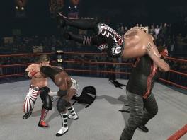 In een tag-team gevecht is de chaos pas echt compleet
