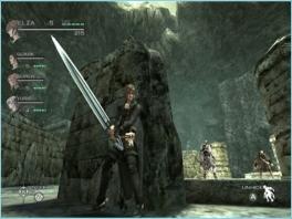 In tegenstelling tot andere RPG's moet je behalve vechten ook soms rondsluipen.