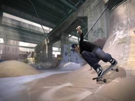 Skate in een grote open wereld, met binnen- en buitenlocaties.