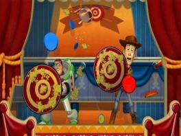 Je speelt als jezelf, maar overal zul je personages van <a href = https://www.mario64.nl/nintendo64toy_story_2.htm>Toy Story</a> vinden.