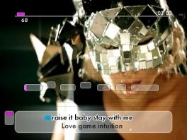 De achtergrond is het officiële muziekclipje van het liedje die je aan het zingen bent.