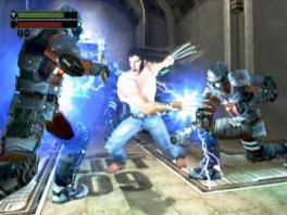 In Wolverine kun je verschillende aanvallen gebruiken. Hier gooi je met elektriciteit.
